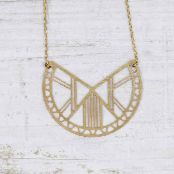 Necklace short Semi Circle Lasercut