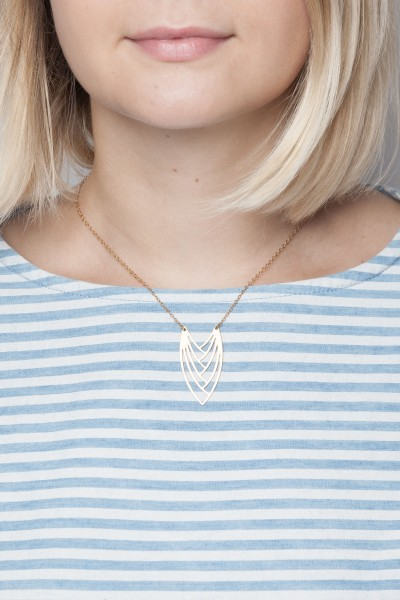 Necklace short graphic