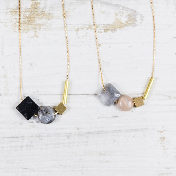 Necklace short Gem asymmetrical