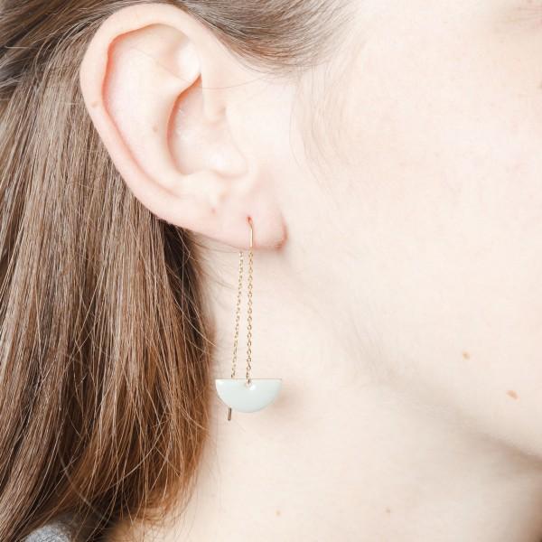 Thread Earring Semi Circle Enamel
