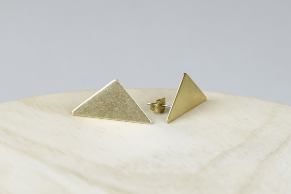 Studs asymmetrical Triangle