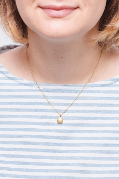 Necklace short Shell