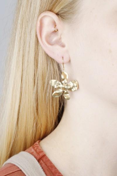 Earring hanging Flower