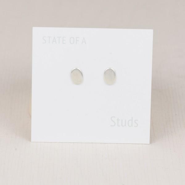 Studs Oval Simple
