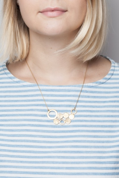 Necklace short Circles structured