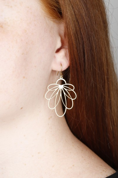 Earring hanging lasered Flowers