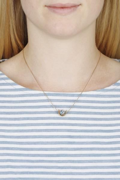 Necklace short U-Shape Gemstone Bead
