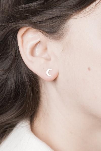 Studs Moon simple