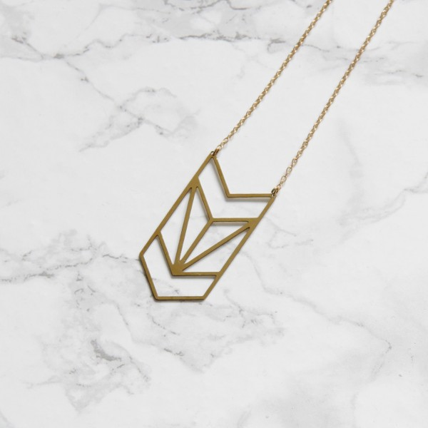 Necklace long lasered Triangle Chevron