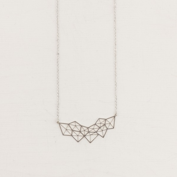Necklace short Polygon lasered