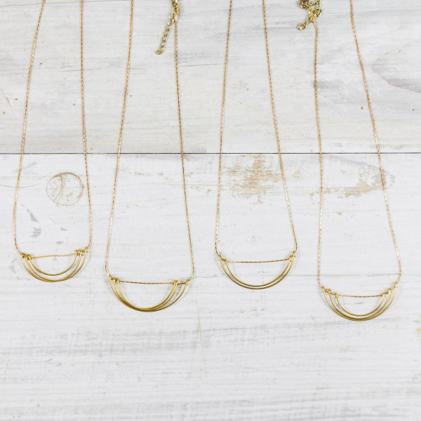 Necklace short Wire Pendant Semi Circle