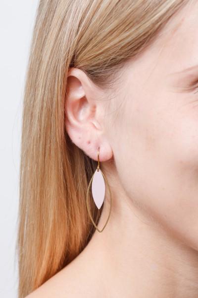 Earring matte Lotus